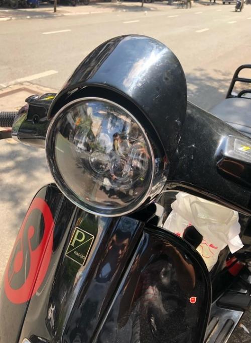 Chụp pha custom siêu đẹp cho xe Vespa 003